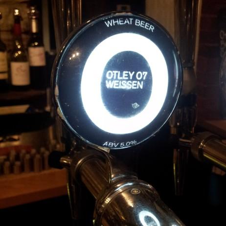 Otley 07 Weissen - lens